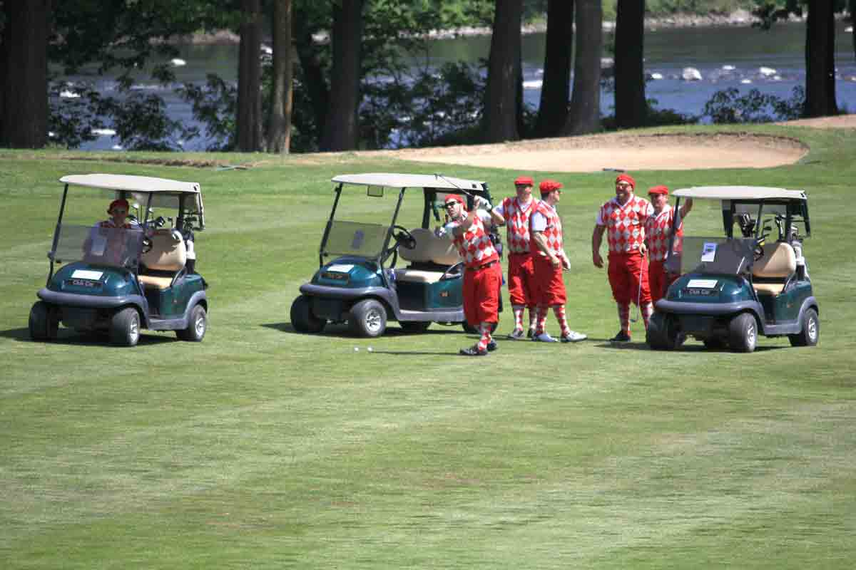 Équipe à tweed rouge- Classique de golf Normand Léveillé