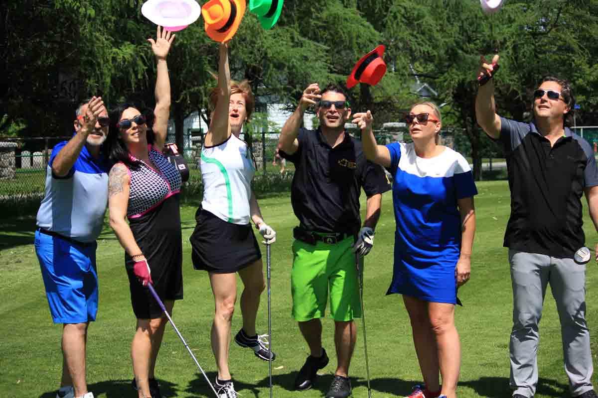 Participants qui s'amusent - Classique de golf Normand Léveillé